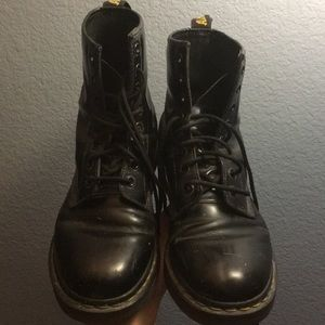 Doc Martens Women's 1460 8 eye patent boot